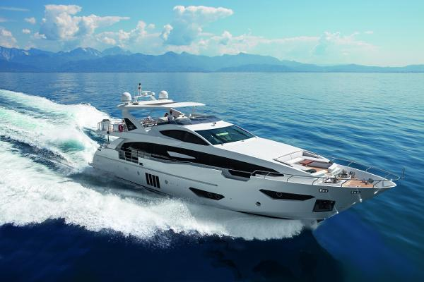 Azimut 95 Raised Pilothouse