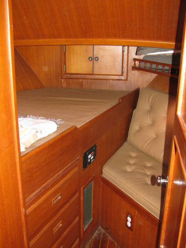Forward guest suite double berth & settee