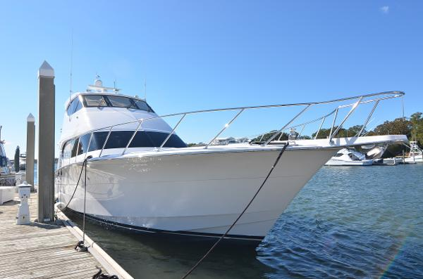 Hatteras Enclosed Flybridge Sportfish Profile