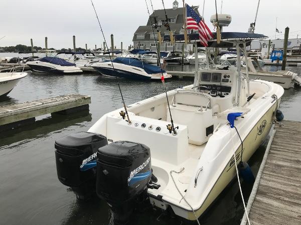 Boston Whaler 240 Outrage