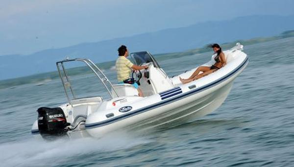 Nuova Jolly Prince 21 On the water