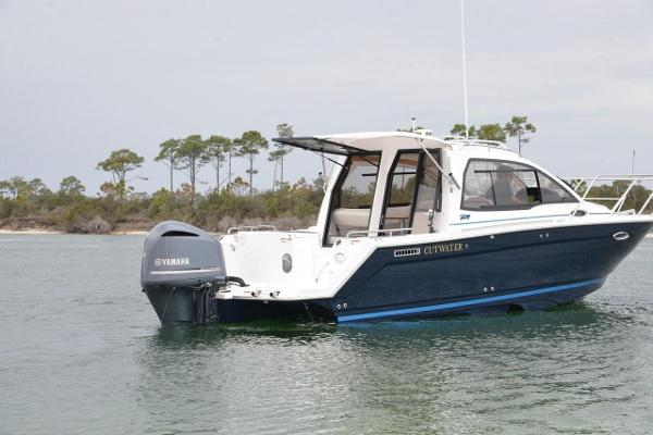 Cutwater C-24 Coupe 2020 Cutwater C24 Coupe Starboard