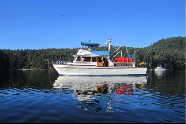 Californian 42 Trawler main