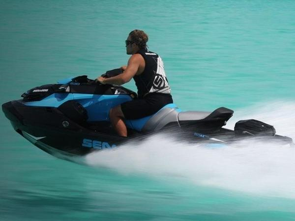 Sea-Doo RXT® 230 IBR & Sound System