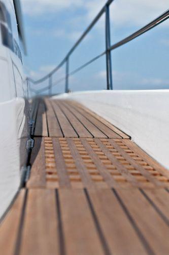 Bavaria Sport 44 Deck