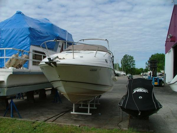 Regal 2665 Commodore Bow