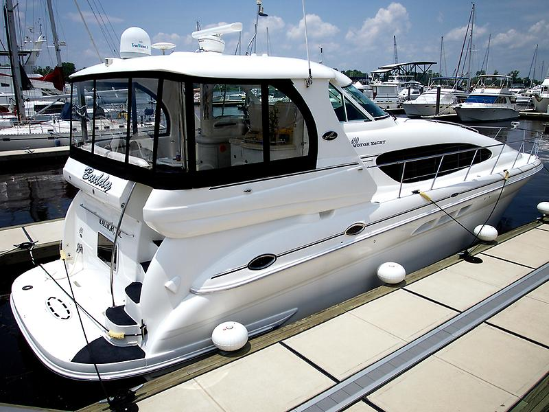Sea Ray 480 Motor  Yacht 35.JPG