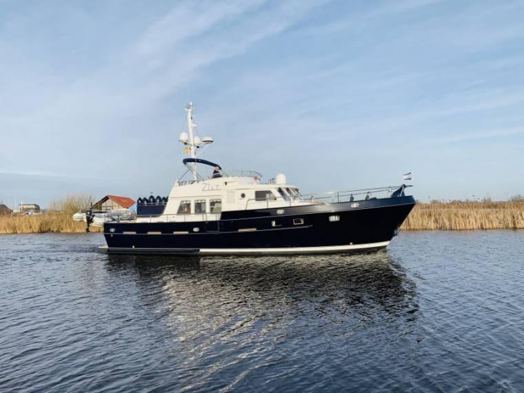 Altena Blue Water Trawler 48