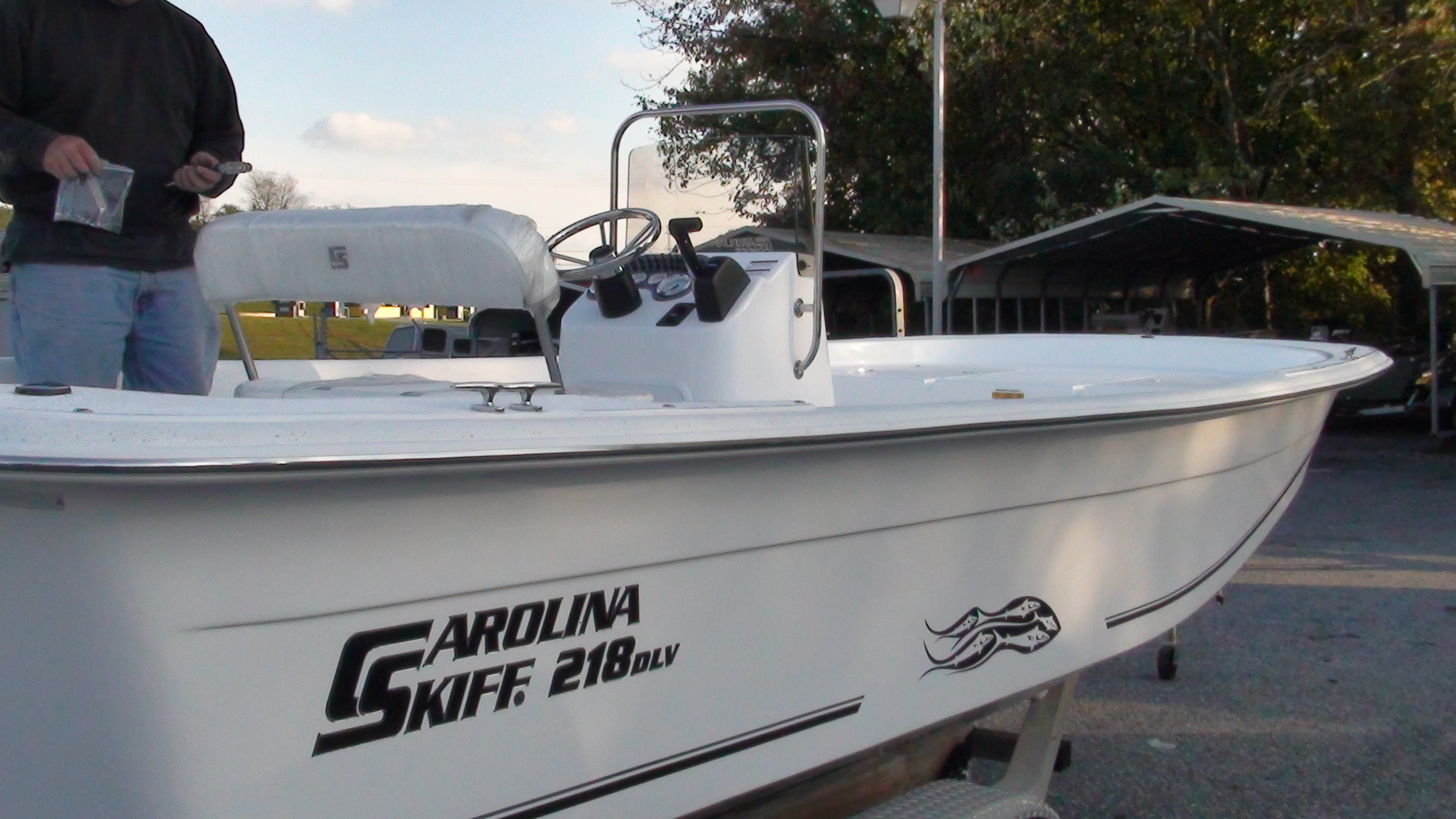 Carolina Skiff / Bass 218DLV