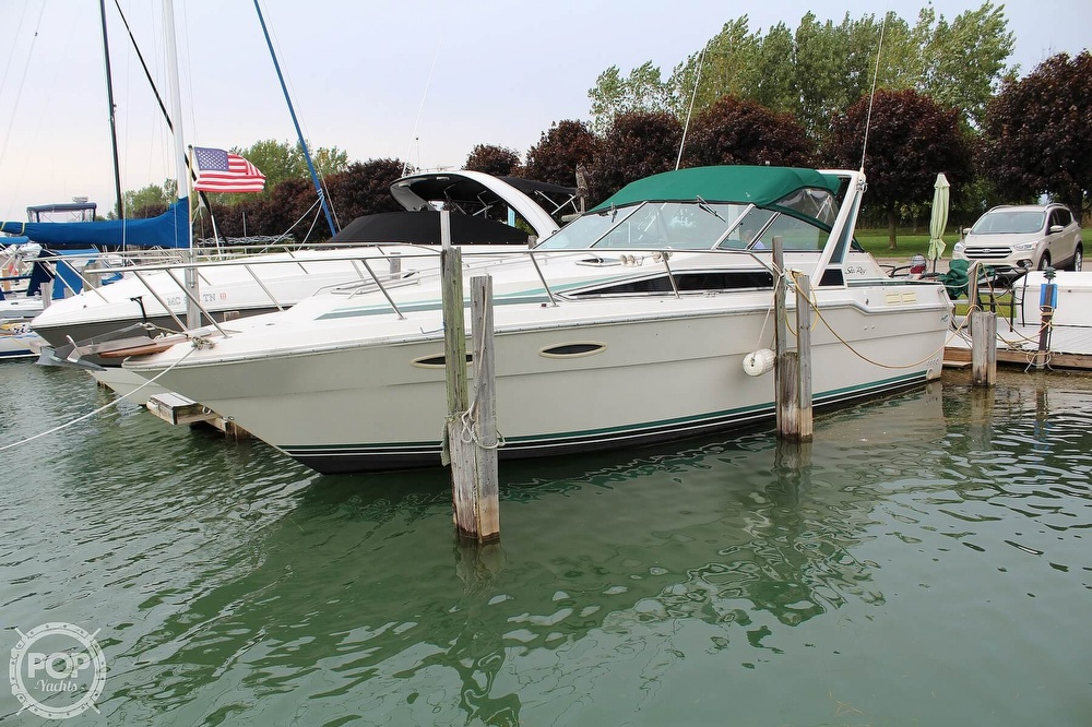 Sea Ray 300 Weekender 1988 Sea Ray 300 Weekender for sale in Saint Clair, MI