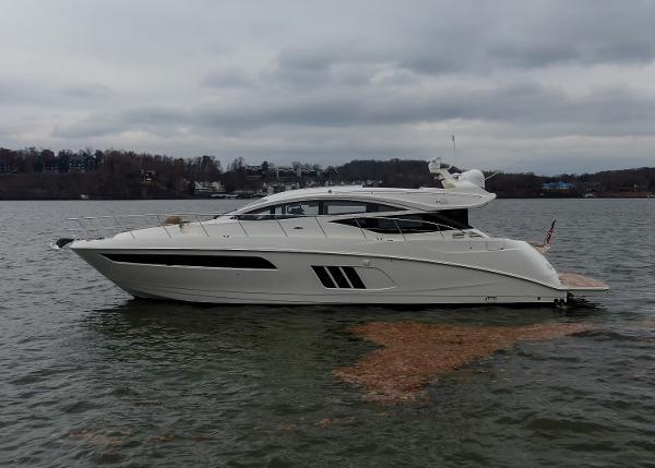 Sea Ray L 590