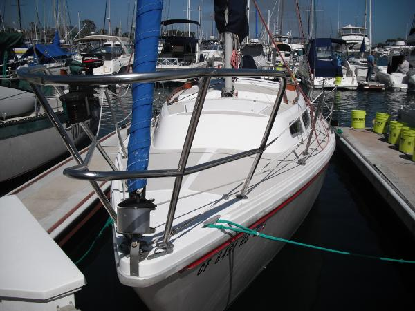 Catalina 27 Bow View w/Roller Furling