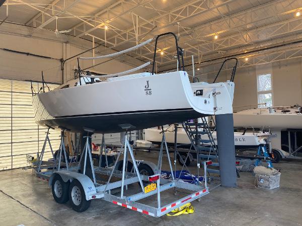 J Boats J/88