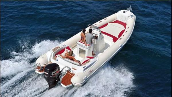 Nuova Jolly Prince 23 Extreme On the water