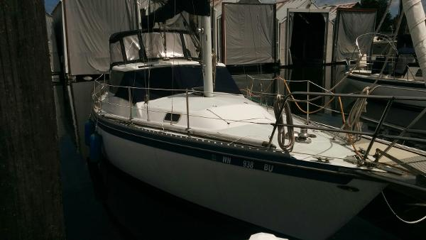 Catalina 30-34 Pilothouse
