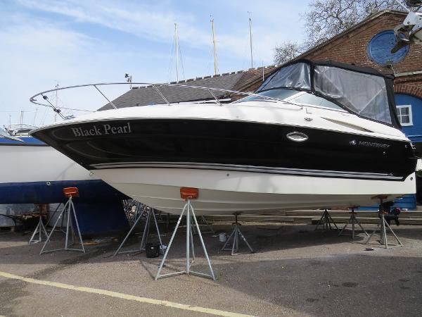 Monterey Sport Cruiser 250 ashore