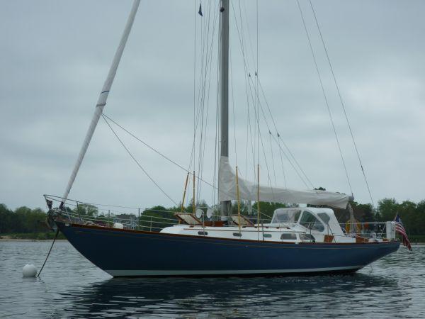 Hinckley Bermuda MK III Sloop ENTERPRISE