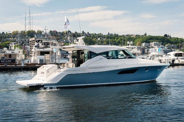 Tiara 44 Coupe New C44 Tiara w/Bentley Blue hull paint