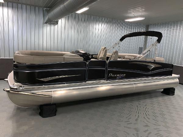 Premier 250 Intrigue RF Tritoon