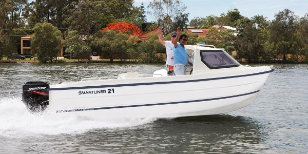 Smartliner Cuddy 21 Afloat