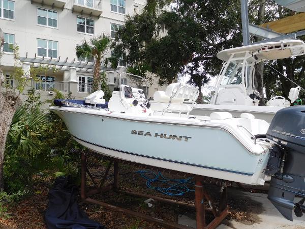 Sea Hunt 188 Triton