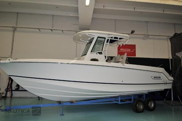 Boston Whaler 250 Outrage (Nuova Pronta Consegna) Boston 250 S - 01