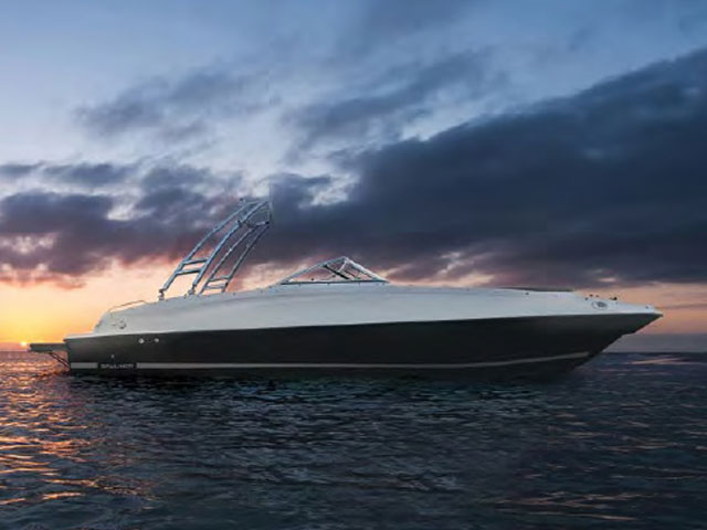 Bayliner 215 Deck Boat