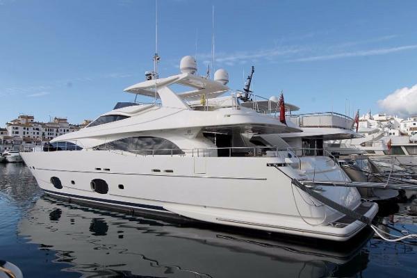 Ferretti Yachts Custom Line 97 FERRETTI CUSTOM LINE 97 2008