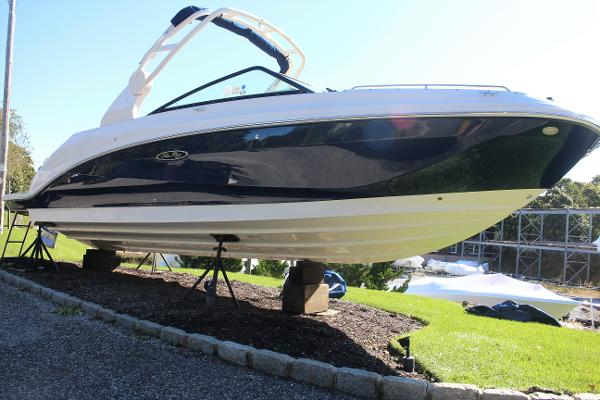 Sea Ray 250 SDX Outboard