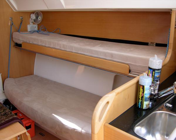 (S) Settee with Pilot Berth Setup