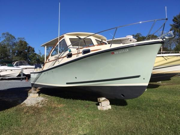 Eastern 27 Seafarer Starboard Bow
