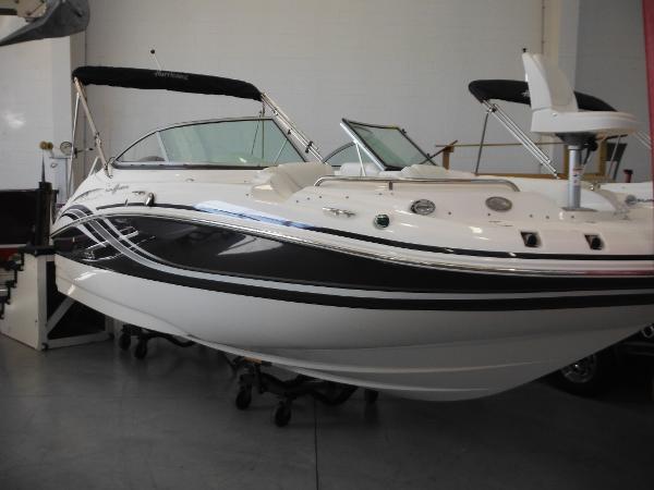 Hurricane SunDeck 2000 OB Actual Boat