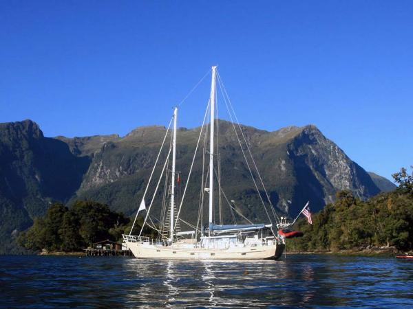Custom John Walsh Expedition Schooner Profile