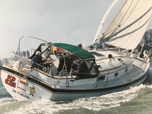 Nonsuch 33 Sailing to Weather