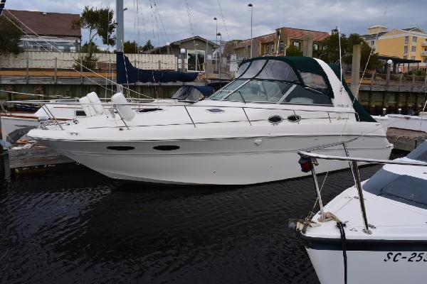 Sea Ray 310 Sundancer Profile