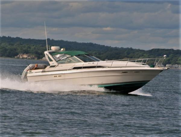 Sea Ray Express Cruiser