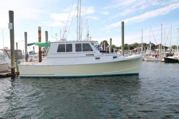 Blue Seas 31 Downeast Trawler Main Image
