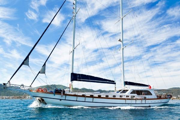 BLUE PARADISE SHIPYARD CUSTOM BUILT SCHOONER