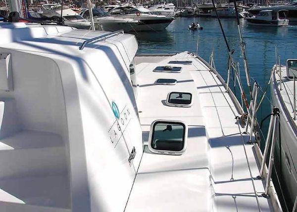 Lagoon Cat 440 - deck