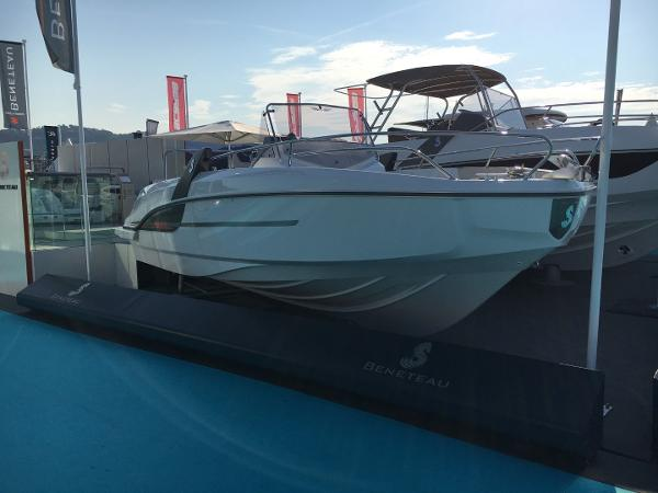 Beneteau Flyer 7.7 Spacedeck Beneteau Flyer 7.7 Spacedeck