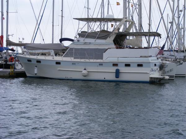 Nova Sundeck Trawler