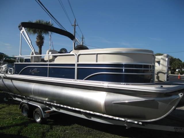 SunChaser Classic 8522 Cruise n Fish
