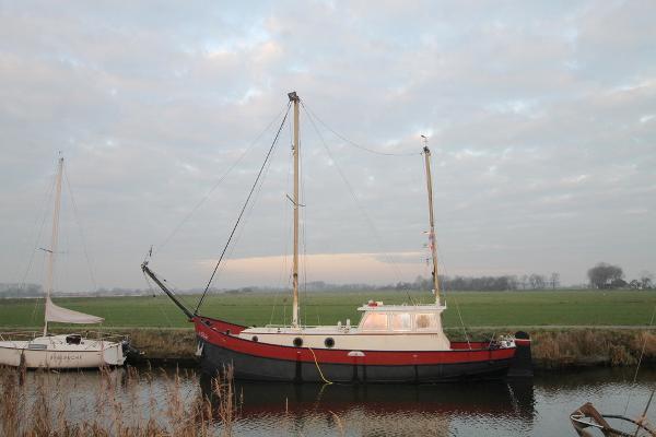 motorship sailingbarge
