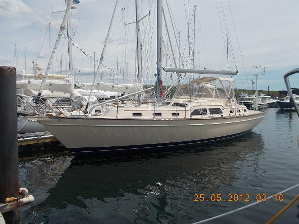 Island Packet 465 Profile
