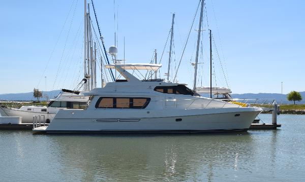 Nassau Pilothouse Motor Yacht