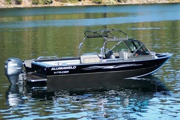 Alumaweld Intruder Outboard 20