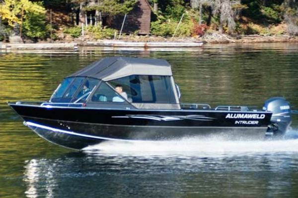 Alumaweld Intruder Outboard 22