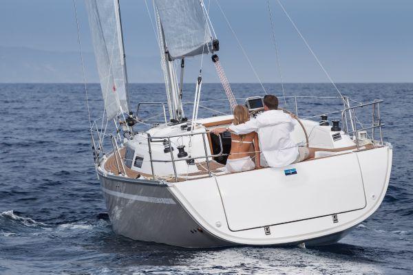 Bavaria 33 Cruiser Stern