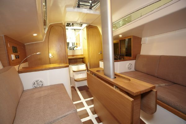 Pacer Yachts 310 Sprint Interior