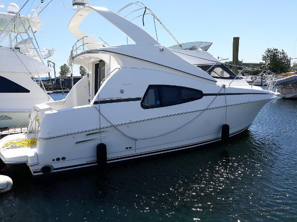 Silverton 330 Sport Bridge